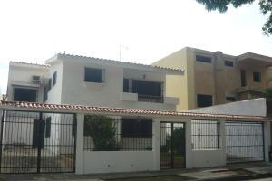 Casa En Ventaen Valencia, Trigal Norte, Venezuela, VE RAH: 20-2014