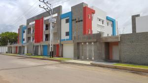 Apartamento En Ventaen Coro, Sector San Bosco, Venezuela, VE RAH: 20-7520