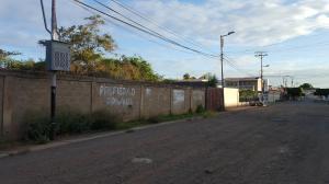Terreno En Ventaen Coro, Parcelamiento Santa Ana, Venezuela, VE RAH: 20-7523