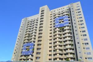 Apartamento En Ventaen Catia La Mar, Playa Grande, Venezuela, VE RAH: 20-2090