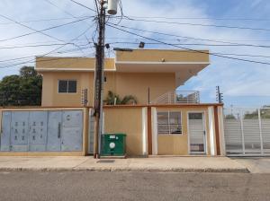 Apartamento En Ventaen Municipio San Francisco, Sierra Maestra, Venezuela, VE RAH: 20-2250