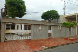 Terreno En Ventaen Municipio San Francisco, La Coromoto, Venezuela, VE RAH: 20-2274
