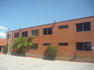 Local Comercial En Ventaen Municipio Los Guayos, Los Guayos, Venezuela, VE RAH: 20-2353
