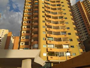 Apartamento En Ventaen Valencia, Las Chimeneas, Venezuela, VE RAH: 20-2459