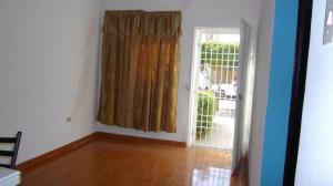 Casa En Ventaen Municipio San Francisco, El Soler, Venezuela, VE RAH: 20-2493