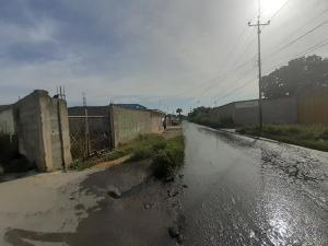 Terreno En Ventaen Cabudare, Parroquia José Gregorio, Venezuela, VE RAH: 20-2567