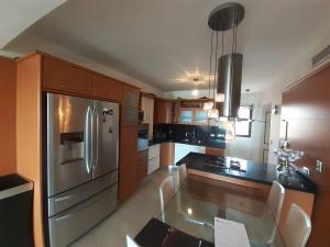 Apartamento En Alquileren Barquisimeto, Colinas De Santa Rosa, Venezuela, VE RAH: 20-2581