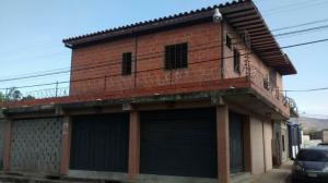Local Comercial En Ventaen Yaritagua, Municipio Peña, Venezuela, VE RAH: 20-2607