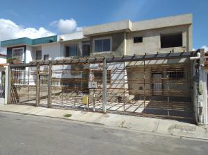 Casa En Ventaen Barquisimeto, Club Hipico Las Trinitarias, Venezuela, VE RAH: 20-2622