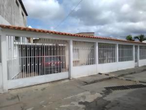 Casa En Ventaen Barquisimeto, Parroquia Catedral, Venezuela, VE RAH: 20-2703