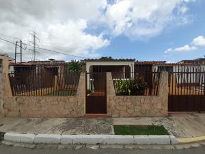 Casa En Ventaen Cabudare, Valle Hondo, Venezuela, VE RAH: 20-2706