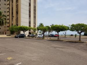 Apartamento En Ventaen Maracaibo, Lago Mar Beach, Venezuela, VE RAH: 20-2772