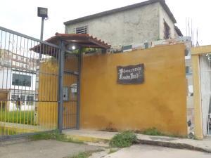 Casa En Ventaen Municipio Los Guayos, Paraparal, Venezuela, VE RAH: 20-2786