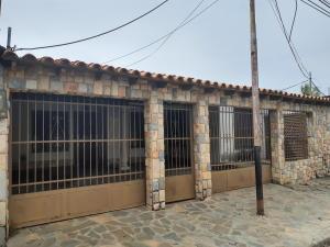 Casa En Ventaen Turmero, La Mantuana, Venezuela, VE RAH: 20-2843
