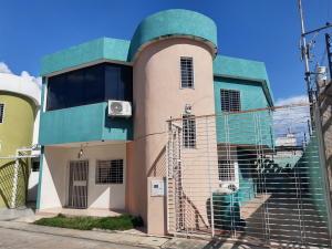 Casa En Ventaen Maracay, La Morita, Venezuela, VE RAH: 20-2869