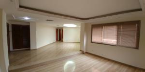 Apartamento En Alquileren Maracaibo, Tierra Negra, Venezuela, VE RAH: 20-2881