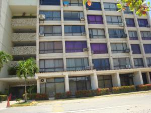 Apartamento En Ventaen Higuerote, Agua Sal, Venezuela, VE RAH: 20-2890