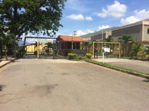Casa En Ventaen Municipio San Diego, Tiziana Villas, Venezuela, VE RAH: 20-2915