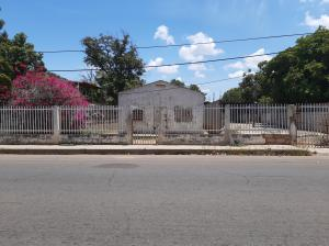 Terreno En Ventaen Maracaibo, Zona Industrial Sur, Venezuela, VE RAH: 20-2919