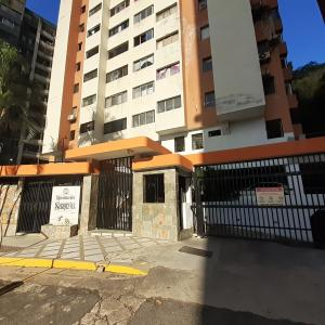 Apartamento En Ventaen Valencia, Las Chimeneas, Venezuela, VE RAH: 20-2984