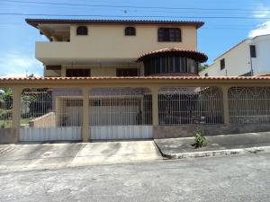 Casa En Ventaen Barquisimeto, Santa Elena, Venezuela, VE RAH: 20-3010