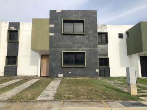 Casa En Ventaen Cabudare, Parroquia José Gregorio, Venezuela, VE RAH: 20-3234