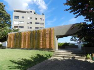 Apartamento En Ventaen Caracas, Colinas De Bello Monte, Venezuela, VE RAH: 20-3249