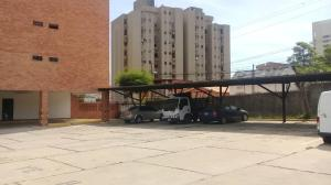Apartamento En Ventaen Maracaibo, Avenida El Milagro, Venezuela, VE RAH: 20-3363