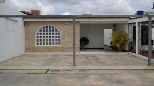 Casa En Ventaen Barquisimeto, Parroquia El Cuji, Venezuela, VE RAH: 20-3347