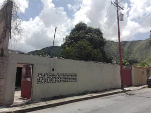 Terreno En Ventaen Maracay, Barrio Sucre, Venezuela, VE RAH: 20-3350