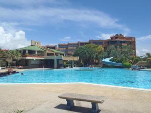 Apartamento En Ventaen Higuerote, Higuerote, Venezuela, VE RAH: 20-3382