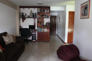 Apartamento En Ventaen Caracas, Parroquia Santa Rosalia, Venezuela, VE RAH: 20-3437