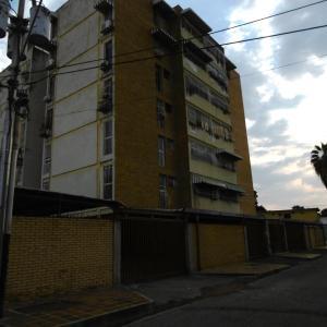 Apartamento En Ventaen Maracay, Residencias Coromoto, Venezuela, VE RAH: 20-3439