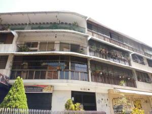 Apartamento En Ventaen Caracas, Colinas De Bello Monte, Venezuela, VE RAH: 20-3460