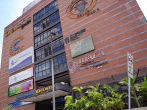 Local Comercial En Ventaen Guatire, Vega Arriba, Venezuela, VE RAH: 20-5208
