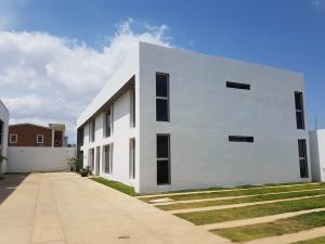 Apartamento En Ventaen Coro, Sector La Floresta, Venezuela, VE RAH: 20-3499