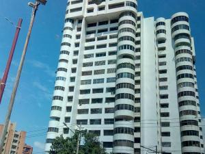 Apartamento En Alquileren Maracaibo, La Lago, Venezuela, VE RAH: 20-3512