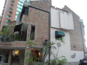 Townhouse En Ventaen Valencia, Las Chimeneas, Venezuela, VE RAH: 20-4462