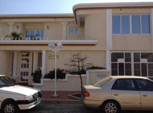 Townhouse En Ventaen Maracaibo, Circunvalacion Dos, Venezuela, VE RAH: 20-3632