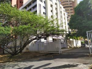 Apartamento En Ventaen Valencia, La Trigaleña, Venezuela, VE RAH: 20-4446