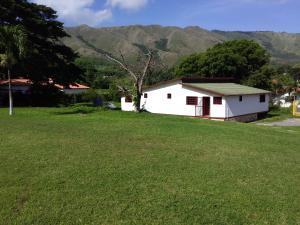 Terreno En Ventaen La Victoria, La Guacamaya, Venezuela, VE RAH: 20-3721