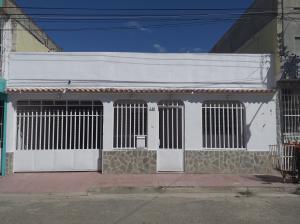Casa En Ventaen Turmero, Los Overos, Venezuela, VE RAH: 20-3808