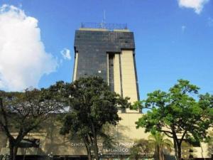 Local Comercial En Ventaen Valencia, Avenida Bolivar Norte, Venezuela, VE RAH: 20-3810