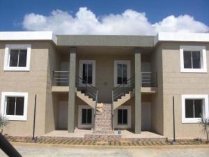 Apartamento En Ventaen Coro, Sector La Floresta, Venezuela, VE RAH: 20-3833