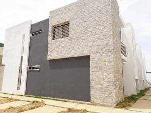 Apartamento En Ventaen Coro, Sector La Floresta, Venezuela, VE RAH: 20-3834
