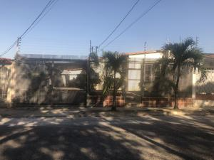 Casa En Ventaen Cabudare, Valle Hondo, Venezuela, VE RAH: 20-3855