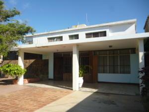 Casa En Ventaen Punto Fijo, Casacoima, Venezuela, VE RAH: 20-3887