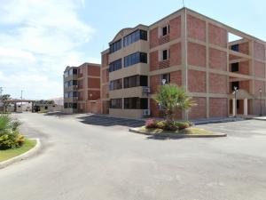 Apartamento En Ventaen Coro, Sector La Floresta, Venezuela, VE RAH: 20-3871