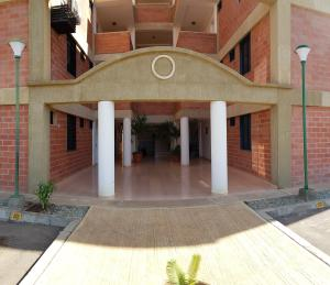 Apartamento En Ventaen Coro, Sector La Floresta, Venezuela, VE RAH: 20-3878