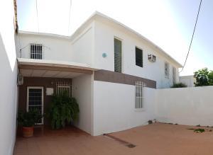 Casa En Ventaen Coro, Sector Independencia, Venezuela, VE RAH: 20-3894